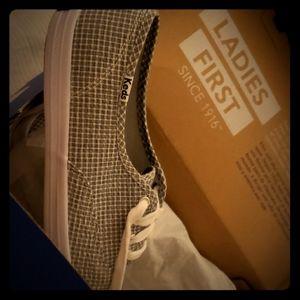 Keds low canvas shoe